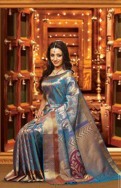 Trisha in Bridal Wear Photos - FilmiBeat South Indian Bride, South Indian Actress, Beautiful Indian Actress, Indian Bridal, Indian Silk Sarees, Indian Beauty Saree, Satin Saree, Sari Blouse Designs, Elegant Saree