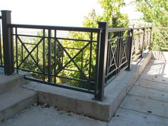 Pretty wrought iron front porch railing ideas that will blow your mind Source by Porch Railing Kits, Porch Railing Designs, Metal Deck Railing, Wrought Iron Stair Railing, Patio Railing, Balcony Railing Design, Steel Railing, Pergola, Steel Fence