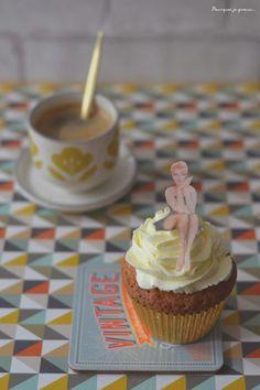 Cupcakes vintage à la vanille et au chocolat blanc, glaçage au cream cheese !