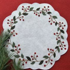 Winterberry Wreath Table Mat or Autumn Bittersweet Candle Mat Christmas Applique, Felt Christmas Ornaments, Christmas Sewing, Christmas Embroidery, Christmas Crafts, Motifs Applique Laine, Wool Applique Patterns, Felted Wool Crafts, Felt Crafts