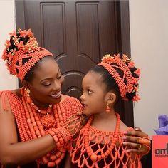 Edo bride & little bride Nigerian Wedding Dresses Traditional, Traditional Wedding Attire, Traditional Outfits, Nigerian Bride, Nigerian Weddings, African Weddings, African Wedding Attire, African Attire, African Print Fashion