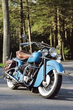 1947 Indian Chief Roadmaster - Classic American Motorcycles - Motorcycle Classics