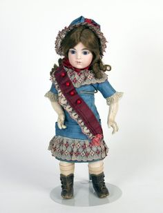 77.2628: doll | Dolls from the Early Twentieth Century | Dolls | National Museum of Play Online Collections | The Strong