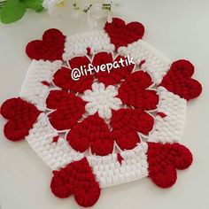 No hay descripción de la foto disponible. Crochet Flower Squares, Crochet Mandala Pattern, Crochet Flowers, Crochet Patterns, Crochet Tablecloth, Crochet Doilies, Sewing Stitches, Crochet Stitches, Diy Crafts 5 Minutes