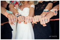 30 Totally Fun Wedding Photo Ideas and Poses for Your Wedding Party ♥  WEDDING PHOTO INSPIRATION ♥ Bridesmaid Piccies!