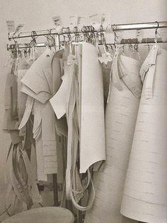 Entre Linhas, Agulhas, Papéis e Tecidos: O QUE É MODELAGEM
