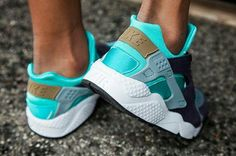 info for 43dd9 4a5c1 The iconic Nike Air Huarache, designed by master Nike shoe creator Tinker  Hatfield. Watch out for the numerous fakes being sold online, they cover  almost ...