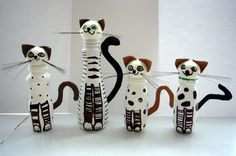 kočky z plastových lahví