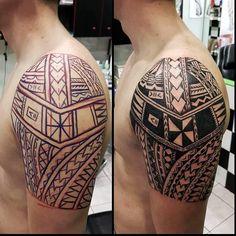 Photo by (saratudorjones_tattoo) on Instagram | #manutattoos #manutattoo #tattoos #tattoo #tatau #tattoomaori #tattooidea #traditionaltattoos #tribal #tribaltattoo #tribaltattoos #maori #maoritattoo #maoritattoos #polynesiantattoo #polynesian #polynesiantattoos #samoantattoo #samoa #samoan #blacktattoo #blackink #blackwork #athenstattoo #tattooathens #inked #inkedmen #mentattoo #instatattoos