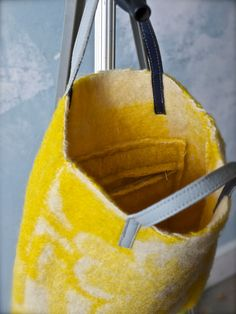 felted Bag of vintage woolen blanket with leather door pepavana