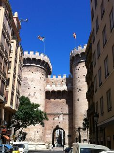 VALENCIA, España. Torres de Quart. Ciudad escenario de mi novela corta. Léela gratis en la columna derecha de mi blog