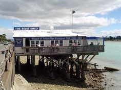 The Boatshed Restaurant, Nelson, New Zealand - best mussels I've had anywhere in the world! http://www.boatshedcafe.co.nz/ - 12 December 2004