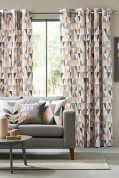 Geo prints for the home are IN! As are pink and grey ;)