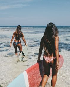 Surfing holidays is a surfing vlog with instructional surf videos, fails and big waves Beach Pink, The Beach, Beach Bum, Bikini Beach, Bikini Girls, Surfing Pictures, Beach Pictures, Nature Pictures, Summer Pictures