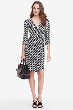 New Julian Two Silk Jersey Wrap Dress in in Chain Link Medium