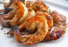On profite encore un peu de l'été et on se gâte avec cette recette aromatique de crevettes grillées ! #recettes #recette #fridayrecipe #chartier #recettesaromatiques #vendredirecette #recetteduvendredi Fish In A Bag, Grilled Shrimp, Freshwater Fish, Grilling, Bbq, Menu, Nutrition, Recipes, Food
