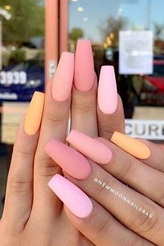 """125 years of fingernail trends Your grandma's pointed nails from the might actually be cooler than Kylie Jenner's.""""},""""description"""":""""Your grandma's pointed nails from the might actually be cooler than Kylie Jenner's. Summer Acrylic Nails, Best Acrylic Nails, Simple Acrylic Nails, Summer Nails, Simple Nails, Acrylic Nails Orange, Acrylic Nails Coffin Short, Pretty Nails For Summer, Square Acrylic Nails"""