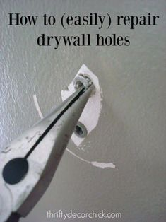 Easy Home Repair Hacks - Easily Patch Dry Wall Holes - Quick Ways To Fix Your Home With Cheap and Fast DIY Projects - Step by step Tutorials, Good Ideas for Renovating, Simple Tips and Tricks for Home Improvement on A Budget Home Renovation, Home Remodeling, Remodeling Companies, Kitchen Remodeling, Easy Home Decor, Cheap Home Decor, Diy Projects Step By Step, Diy Home Projects Easy, Easy Crafts