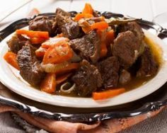 Boeuf bourguignon express au Thermomix® : www.fourchette-et& The post Boeuf bourguignon express au Thermomix® appeared first on Bikini Photos. Beef Bourguignon, Oven Roast Beef, Pot Roast, Roast Beef With Vegetables, Pork Curry, Braised Beef, Comfort Food, Goulash, Kitchen