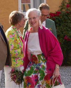 Danish Queen Margrethe visited Møllerup Estate in Aarhus Royal Ballet, Summer Skirts, Summer Dresses, Ballet Performances, Queen Margrethe Ii, Danish Royal Family, Danish Royals, Civil Ceremony, Crown Princess Victoria