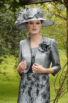 #Modest doesn't mean frumpy. #DressingWithDignity on.fb.me/1lfqxT2 - - Condici - Spring Summer 2013