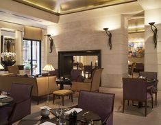 "Paris – ""Tea time"" in den großen Hotels Le Roch Hotel, Ritz Paris, Hotels, Conference Room, Table, Furniture, Park, Home Decor, Fire Pits"