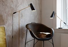 Quintessentially elegant, the Birdy floor lamp by Northern Lighting has been charming people for over 60 years. The Birdy light by Northern Lighting is a r. Floor Lamp Base, Black Floor Lamp, Modern Floor Lamps, Modern Lighting, Lighting Ideas, Lighting Design, Luminaire Led, Luminaire Design, Lamp Design