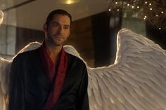 Crítica   Lucifer – 3X01: They're Back, Aren't They? – Plano Crítico