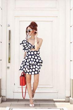 polka dots and ruffles <3  Montei 5 looks em uma loja em liquidação e dei dicas pra não comprar por impulso. Comprar menos, mas comprar bem!