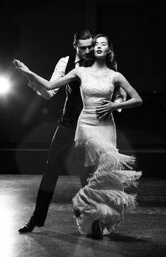 Tango so sensual Just Dance, Dance Like No One Is Watching, Shall We Dance, Danse Salsa, Dance Movement, Salsa Dancing, Ballroom Dancing, Dance Photos, Latin Dance