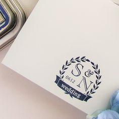 イニシャルロゴスタンプ「ローレルクラウン」 -招待状や席次表などにオリジナルのイニシャルロゴスタンプ http://www.leafleaf-shop.com/?pid=75451828