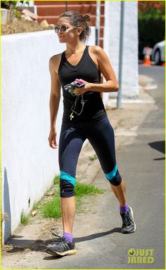 ae8640bc0ffc nikki reed jogging solo after jogging with Ian Somerhaulder