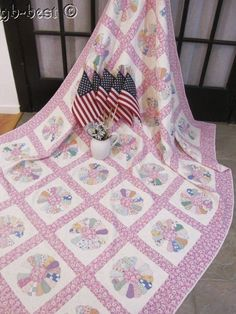American Quilts ! c 1930s Dresden Plate Applique Vintage Quilt FEEDSACKS mickey