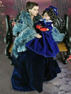 Scarlett and Bonnie Blue Victorian Dolls, Vintage Dolls, Muñeca Diy, Barbie Celebrity, Scarlett O'hara, Russian Wedding, Barbie Gowns, Vivien Leigh, Valley Of The Dolls