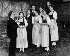 The real VonTrapp family (Trapp Family Singers).jpg