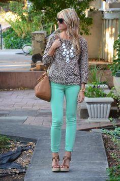 Mint jeans & leopard top w/ white bubble necklace. so lovin' it