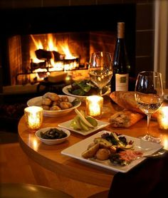 romantic dinner by the fire Dinner For Two, Dinner Dates, Wine Cheese, Romantic Dinners, Romantic Places, Wine Time, Simple Pleasures, Wine Recipes, Warm And Cozy