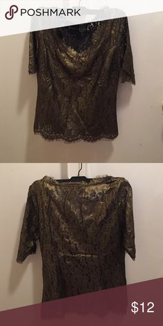 C Wonder lace top size 0 in gold Fun lace top in metallic gold color C Wonder Tops