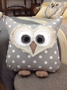 Owl pillow Création de Janie St-Pierre pour Ambiance d'Aujourd'hui ... creative inspiration !: ~ there is a chart/pattern ~ SEWING