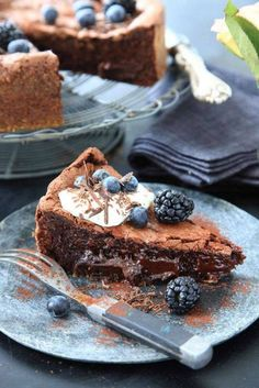 Stor och oemotståndligt kladdig kaka med mustig chokladsmak.