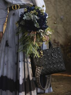 Luxury Purses, Luxury Bags, Fashion Handbags, Purses And Handbags, Dior Fashion, Womens Fashion, Christian Dior, Christian Louboutin, Givenchy