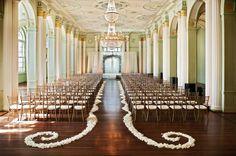 clean, elegant and simple ceremony decor.