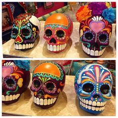 papel mache Day Of The Dead Drawing, Day Of The Dead Art, Sugar Skull Painting, Sugar Skull Art, Skeleton Drawings, Skeleton Art, Sugar Scull, Skull Crafts, Skull Pumpkin
