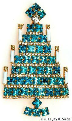 Dominique Square Blue Rhinestone Christmas Tree Pin