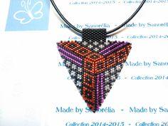 2014/038- Pendentif + cordon - style triangle - tissage peyote - perle noir rouge fuchsia et argenté brillant - motif Eolie : Pendentif par sanorelia