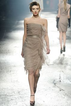 Lanvin Fall 2009 Ready-to-Wear Fashion Show Collection