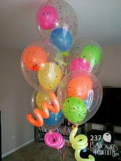 Quinceanera Party Planning – 5 Secrets For Having The Best Mexican Birthday Party Balloon Decorations, Birthday Decorations, Diy Balloon, Balloon Centerpieces, Balloon Inside Balloon, Balloon Ideas, Tulle Balloons, Latex Balloons, Confetti Balloons