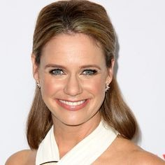 Dressing Your Truth Type 4 Andrea Barber (not officially Typed) Family Relations, Full House, Famous Women, Celebs, Celebrities, Biography, Barber, Dj, Beautiful Pictures