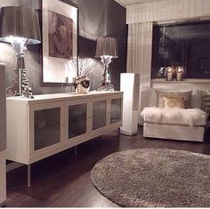36 popular rustic farmhouse living room decor ideas for comfortable home Home Living Room, Apartment Living, Living Room Designs, Living Room Decor, Bedroom Decor, Master Bedroom, Bedroom Ideas, Dining Room, Modern Bedroom