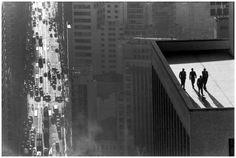 O século 20 através da fotografia eclética de Rene Burri